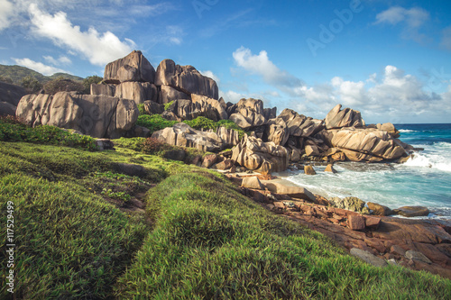 Foto op Plexiglas Cyprus A path along the coast of the spectacular island La Digue, Seychelles