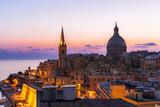 Valletta bei Sonnenaufgang - 117736042
