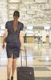hava limanında yolcu kadın