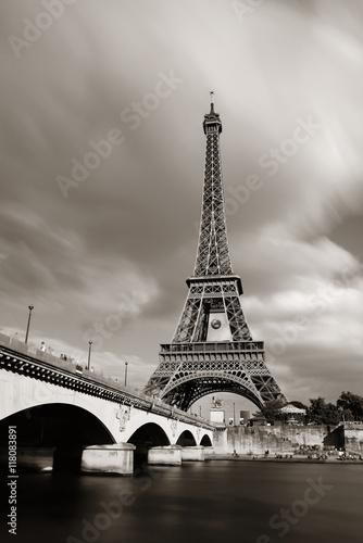 Eiffel Tower - 118083891