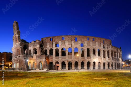 colosseum-rome-w-nocy,-architektura,-zdjecie