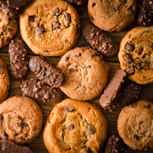 Fototapeta Various chocolate cookies background - Square composition