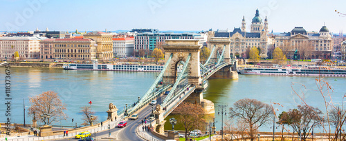 Aluminium Boedapest Landmark of Budapest, Szechenyi Chain Bridge, river Danube, houses panorama