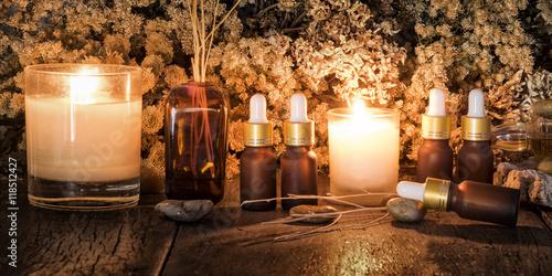 Tuinposter Gymnastiek Organic aromatherapy essential oils with dry flowers