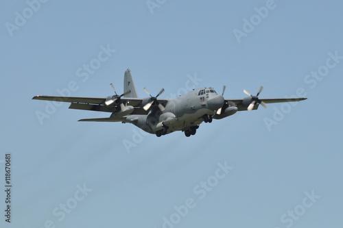 C-130 HÉRCULES Poster