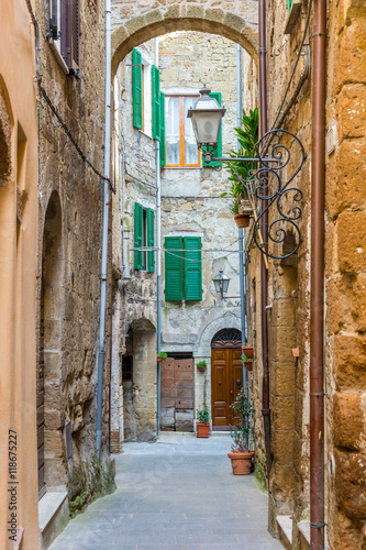 Fototapety, obrazy : Alley in Italian old town Tuscany Italy