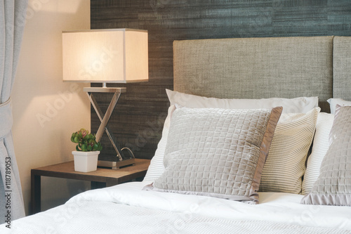 Plagát Hotel style bedding with white shade reading lamp