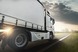 truck driving direction city - 118944024