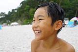 海辺の少年 笑顔 男児 日本人