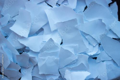 Zdjęcia na płótnie, fototapety, obrazy : Клочки бумаги падают в пространстве фон текстура