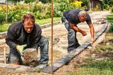 Preparing the Paving: Placing the Edging - 119085404