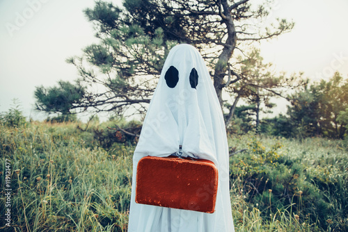 Poster Ghost with suitcase