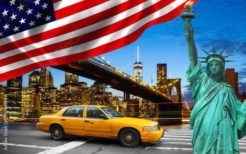 Foto op Plexiglas New York TAXI New York City with Liberty Statue ad yellow cab