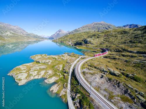 Staande foto Spoorlijn Bernina Express - Passo del Bernina (CH)