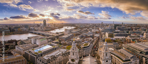 Zdjęcia na płótnie, fototapety, obrazy : London, England - Panoramic Skyline view of central London taken from St.Paul's Cathedral at sunset