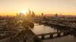 Bankenstadt Frankfurt zum Sonnenuntergang