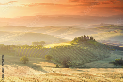 Keuken foto achterwand Toscane Beautiful tuscan landscape view in Val dOrcia region near Pienza town on the morning in Italy