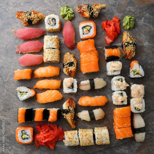 Sushi and nigirin set pattern