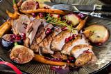 Fototapety Weihnachtstisch Ente undgebratene gemüse