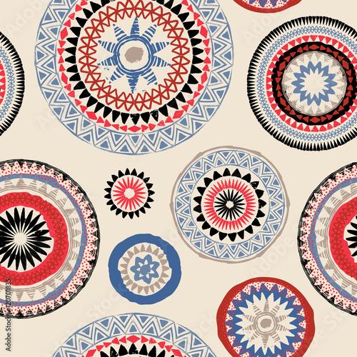 Materiał do szycia Mandali. Streszczenie okrągły ornament wektor wzór. Tribal grunge tekstur