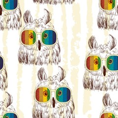 Vector sketch of owls with glasses. Seamless pattern