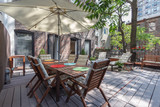 Huge deck with table and chairs in Chelsea, Manhattan - 120834027