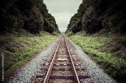 Fotobehang Spoorlijn まっすぐな鉄道の線路