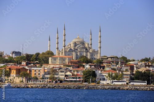 Poster Istanbul, Turkey - September 15, 2016: Sultanahmet Mosque, built in new era by Ottoman Sultan Ahmet