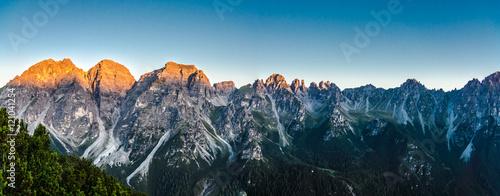 panorama-kalkkogel-przy-wschodem-slonca