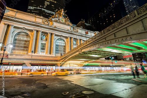 Foto op Plexiglas New York TAXI gran central station main entrance