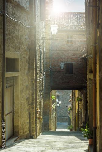 Beautiful streets and corners of the Tuscan town of Cortona, Ita © gentelmenit