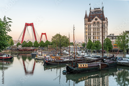 Foto op Plexiglas Rotterdam Rotterdam City, Oude Haven oldest part of the harbour, historic ship yard dock, Old Ship, Openlucht Binnenvaart Museum, Haringvliet and the Willemsbrug bridge at Dusk in Summer, Netherlands