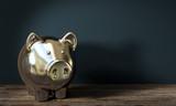 3d goldesnes Sparschwein voll mit ersparnissen