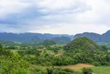 世界遺産ビニャーレスの渓谷