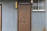 古い家屋の玄関