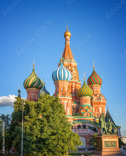 Papiers peints Moscou St Basil's cathedral on Red Square, Moscow, Russia