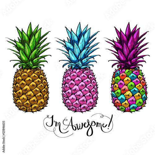 wizerunek-z-trzy-stubarwnymi-ananasow-owocowy-pisac-list-wspanialego-na-bialym-tle