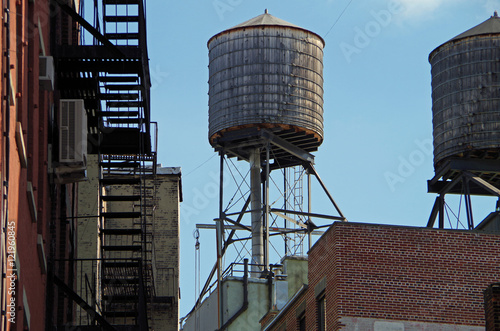 Papiers peints New York New York City water towers and rooftops