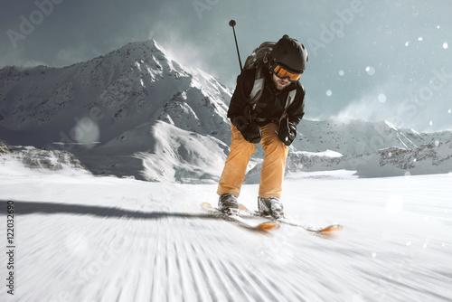 Skifahrer auf der Piste Poster