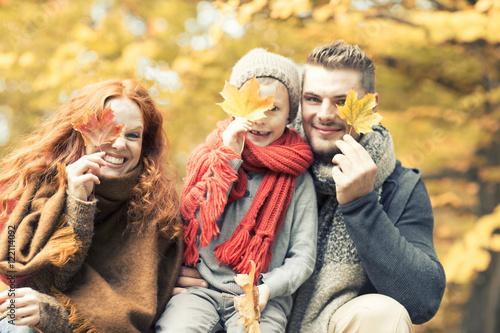 Poster Familie mit Blättern