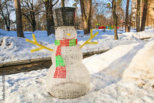 Poster Water planten Snowman in Garland, Forest, winter, pine sun
