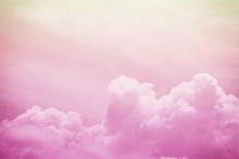 künstlerische weiche Wolke und Himmel mit Grunge Papier Textur