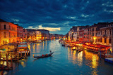Widok na Canal Grande z mostu Rialto o zmierzchu, Wenecja, Włochy