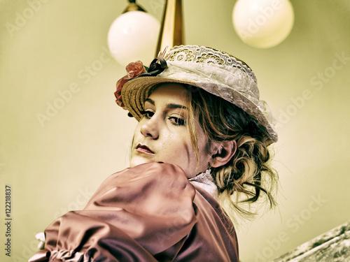 Foto op Plexiglas Draken Retro lady in hat