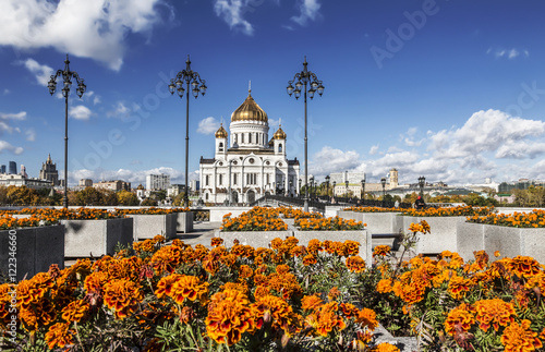 Zdjęcia View of the temple of Christ the Savior in Moscow sunny autumn day, Russia