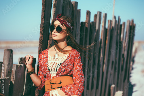 Poster Bohemian chic styled model