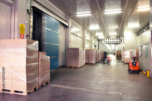 Foto Murales Large cold warehouse