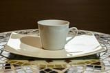 biała filiżanka na talerzyku, ceramika, White ceramic cup