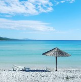 Sun umbrella and sunbed in saharun beach in croatia - 122717447