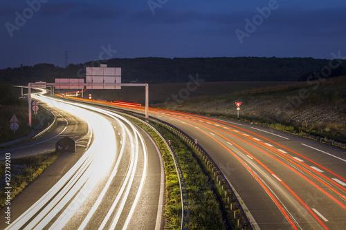 Foto op Canvas Europa Autoroute de nuit